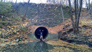 Surveyor in a pipe